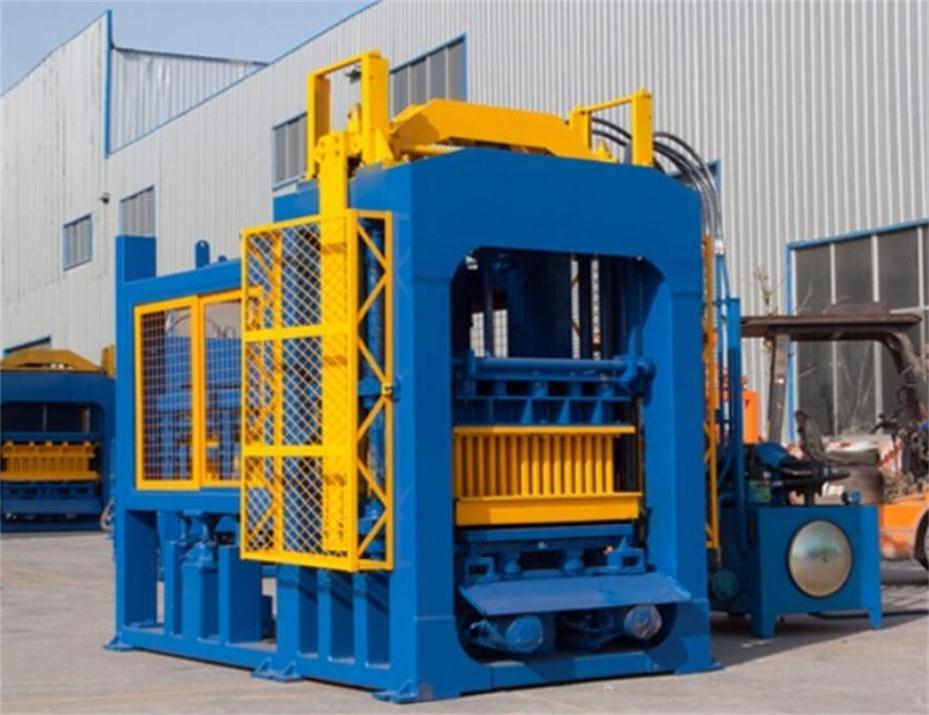 QT8-15 automatic concrete hollow block machine
