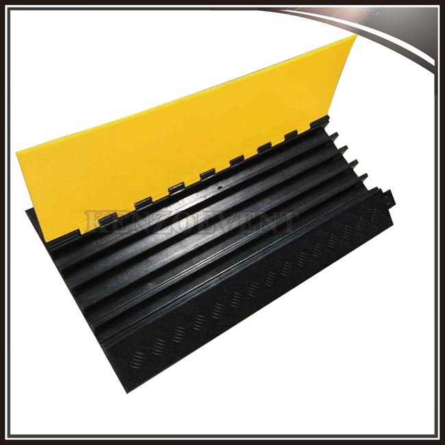 5 Channel Rubber Cable Ramp for Outdoor Event