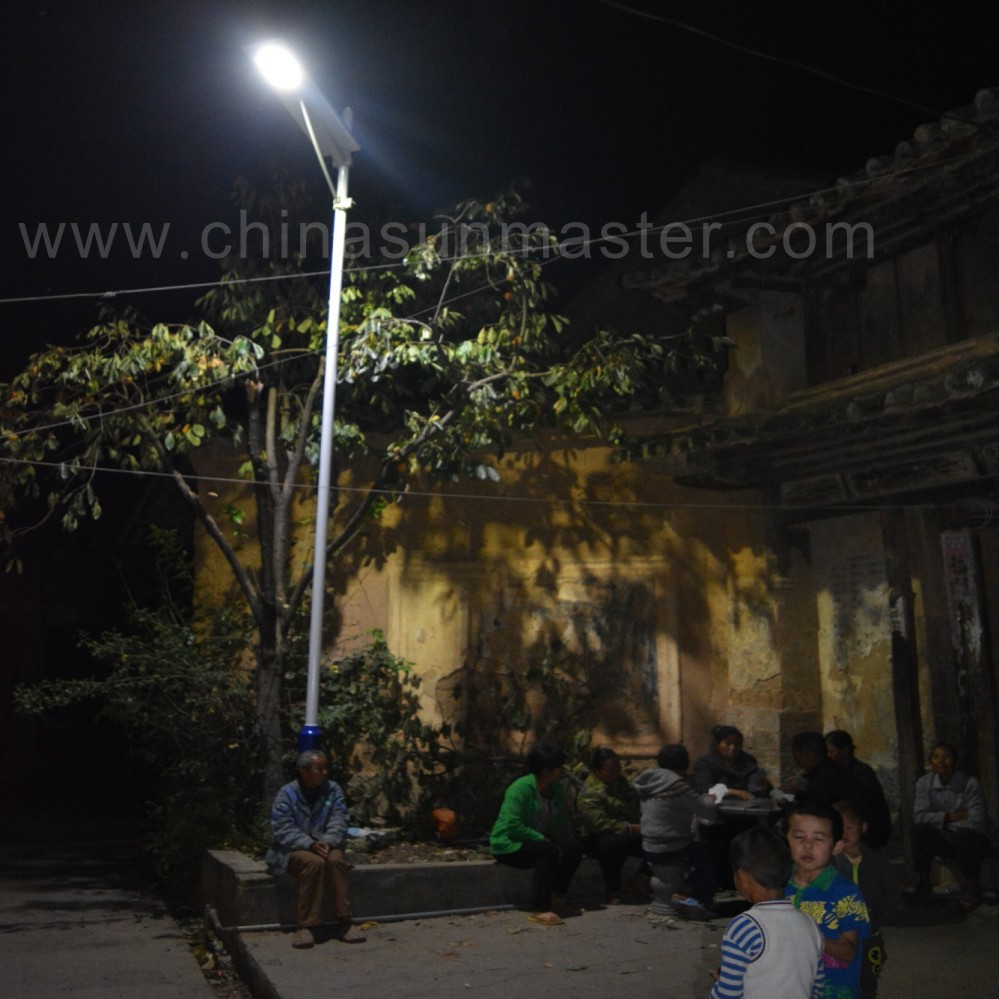 All in one solar led street light in yunnan China