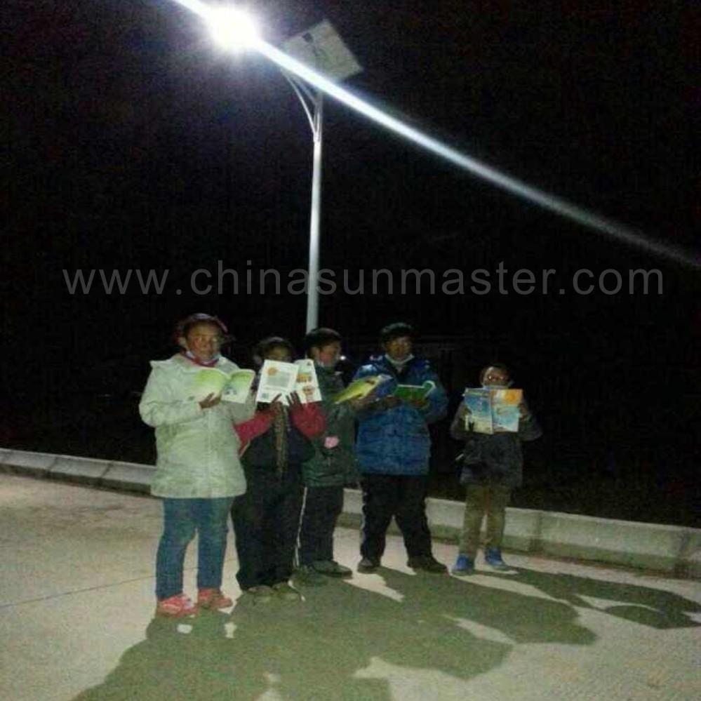 solar street light in yushu China