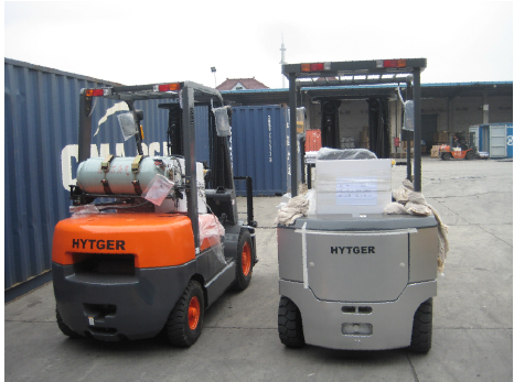Thailand customer LPG forklift and diesel forklift