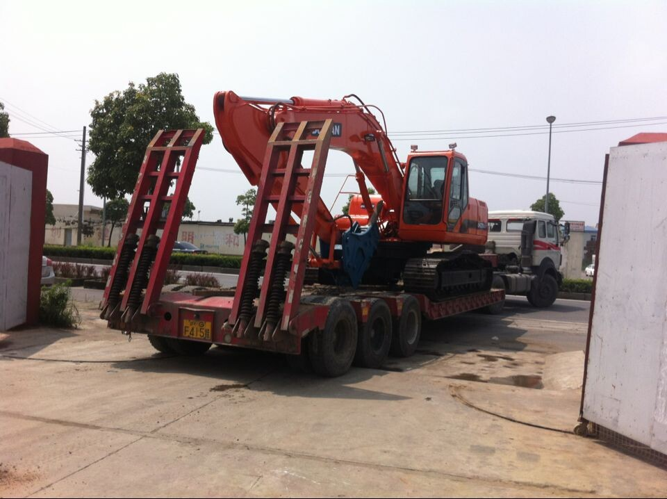 Used Doosan DH220LC-7 Excavator Sold out to Sudan