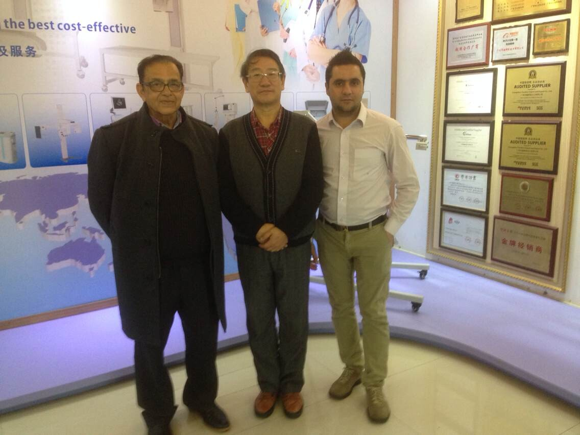 General Manager Mr. Su He meeting customers from Australia
