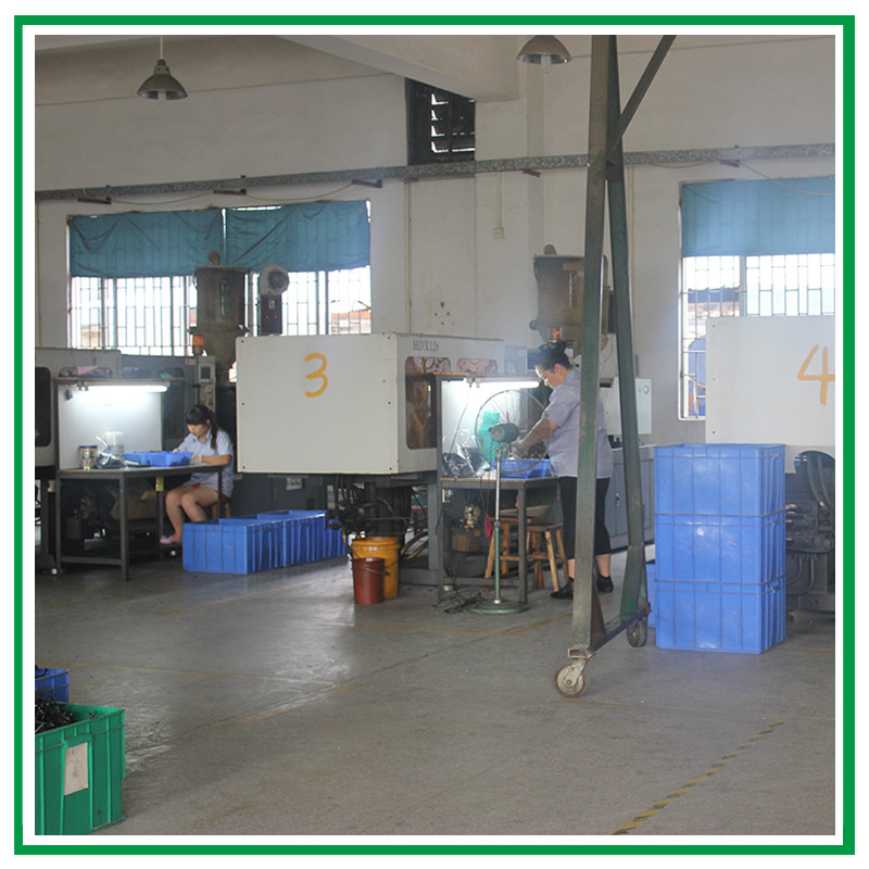 workshop--injection molding machine