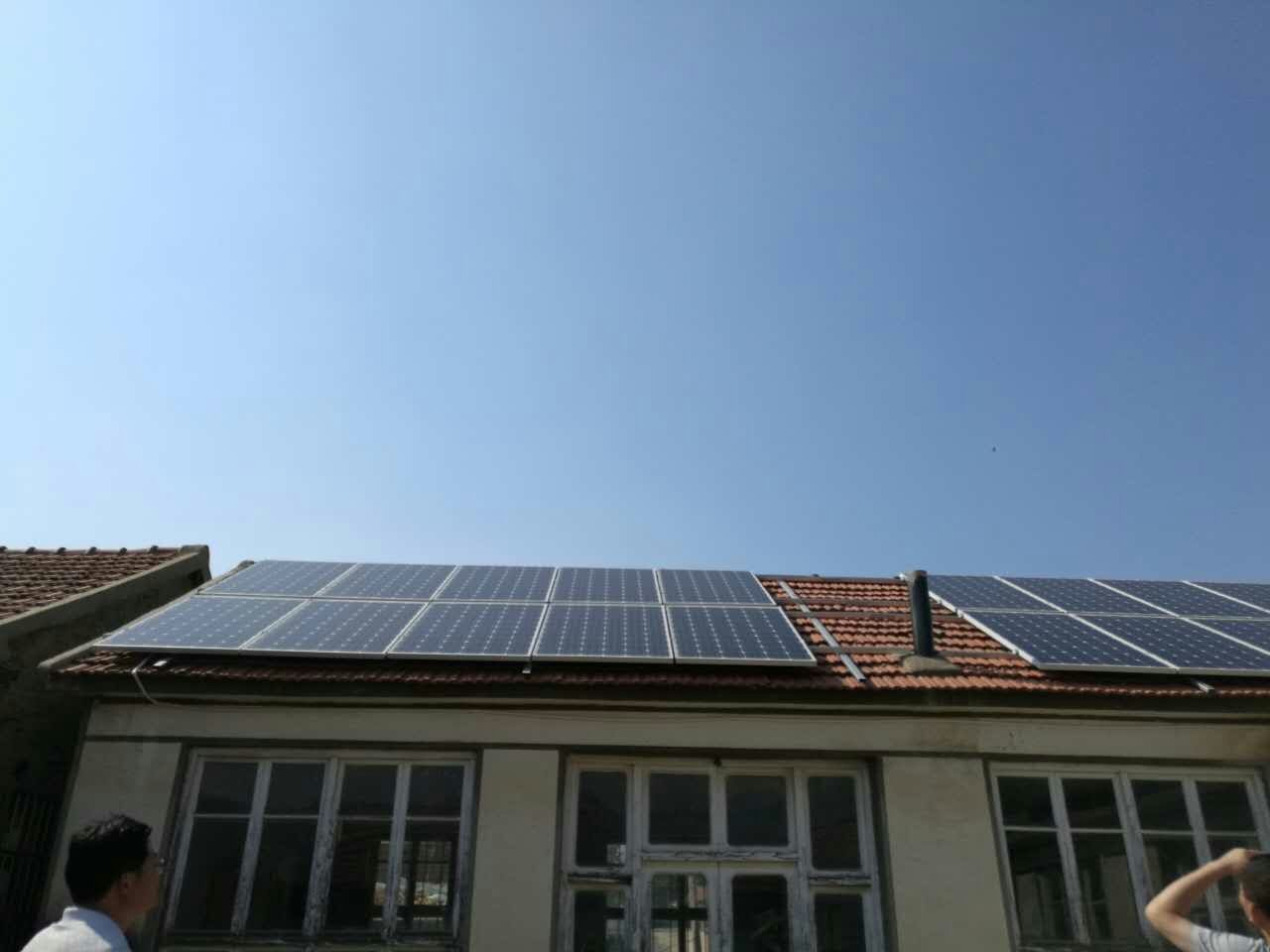 solar roofing power system on house in the countryside