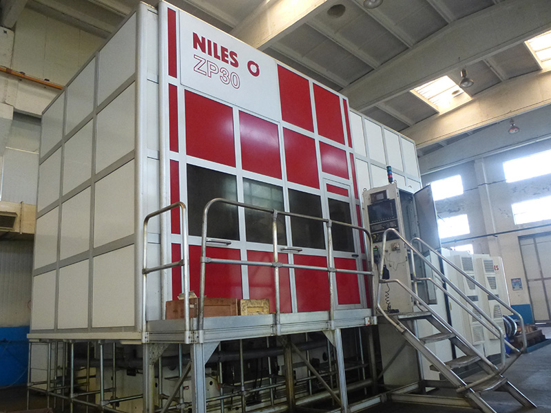 CNC Gear Grinding Machine - - German NILES ZP30