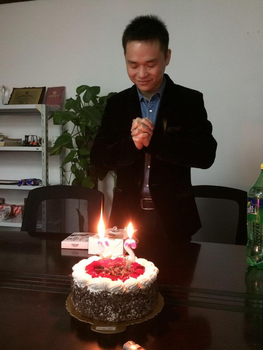 Celebrate birthday for Tom!