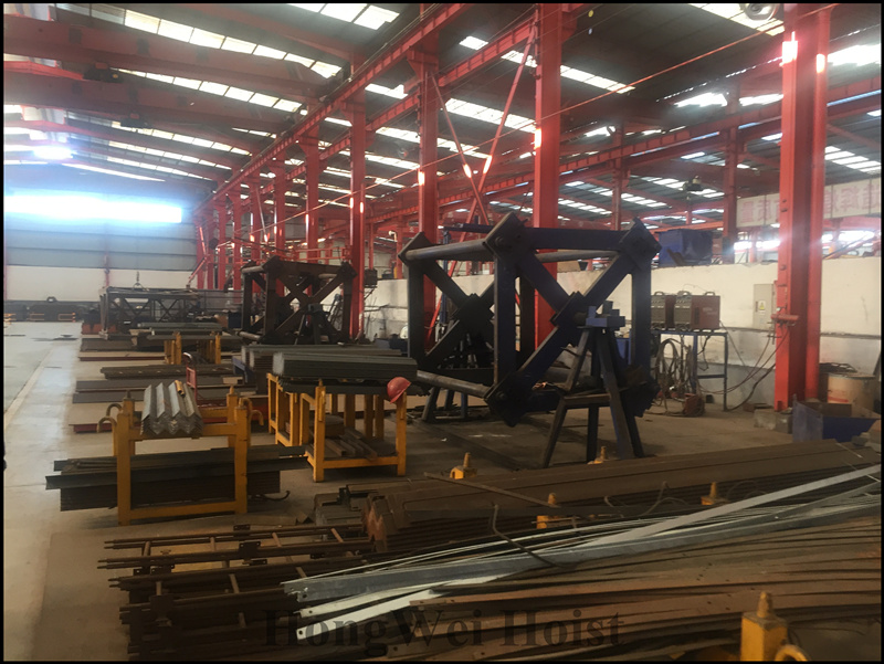 The tower crane standard section workshop