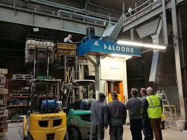 electric screw press export to Poland