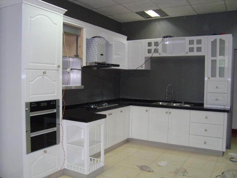 China lacquere kitchen cabinets ,wardrobe factory in Xiamen ,China