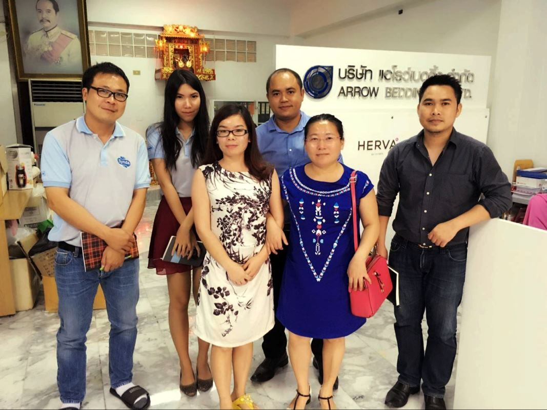 Our company supervisors to negotiate with customers overseas( 2016, July , Thailand )