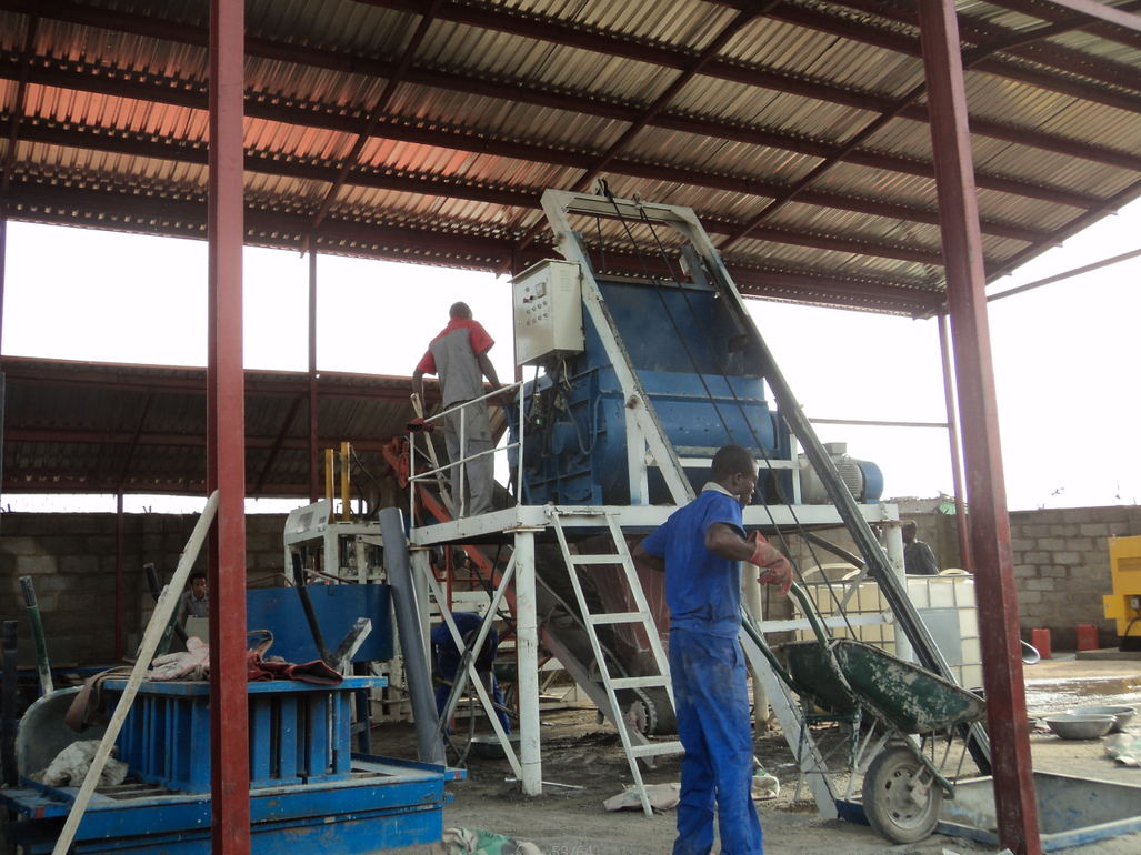 QT4-15 cement block machine(39 set in India)and 5 sets in South africa