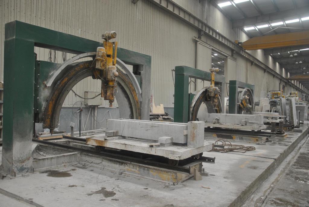 Curved Cutting Machine