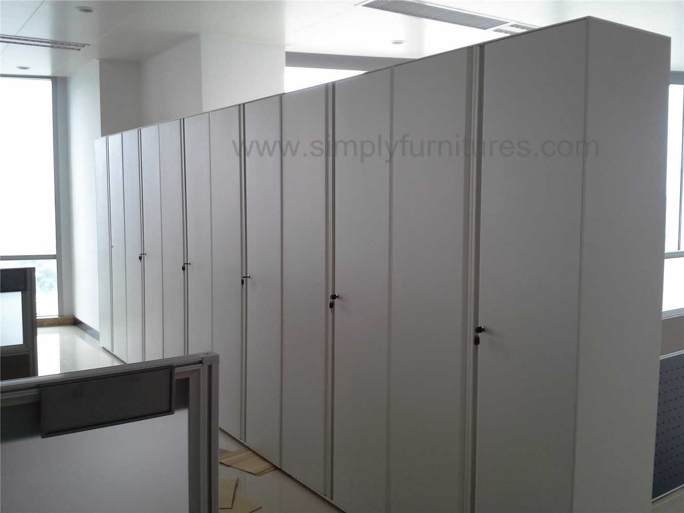 1.8m recess handle swing door cabinet