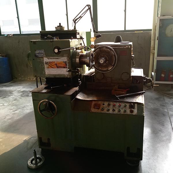 Semi-automatic bevel gear tester