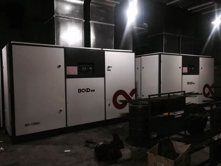 2 sets of BD-1560L low pressure screw compressors are installed in customer's factory
