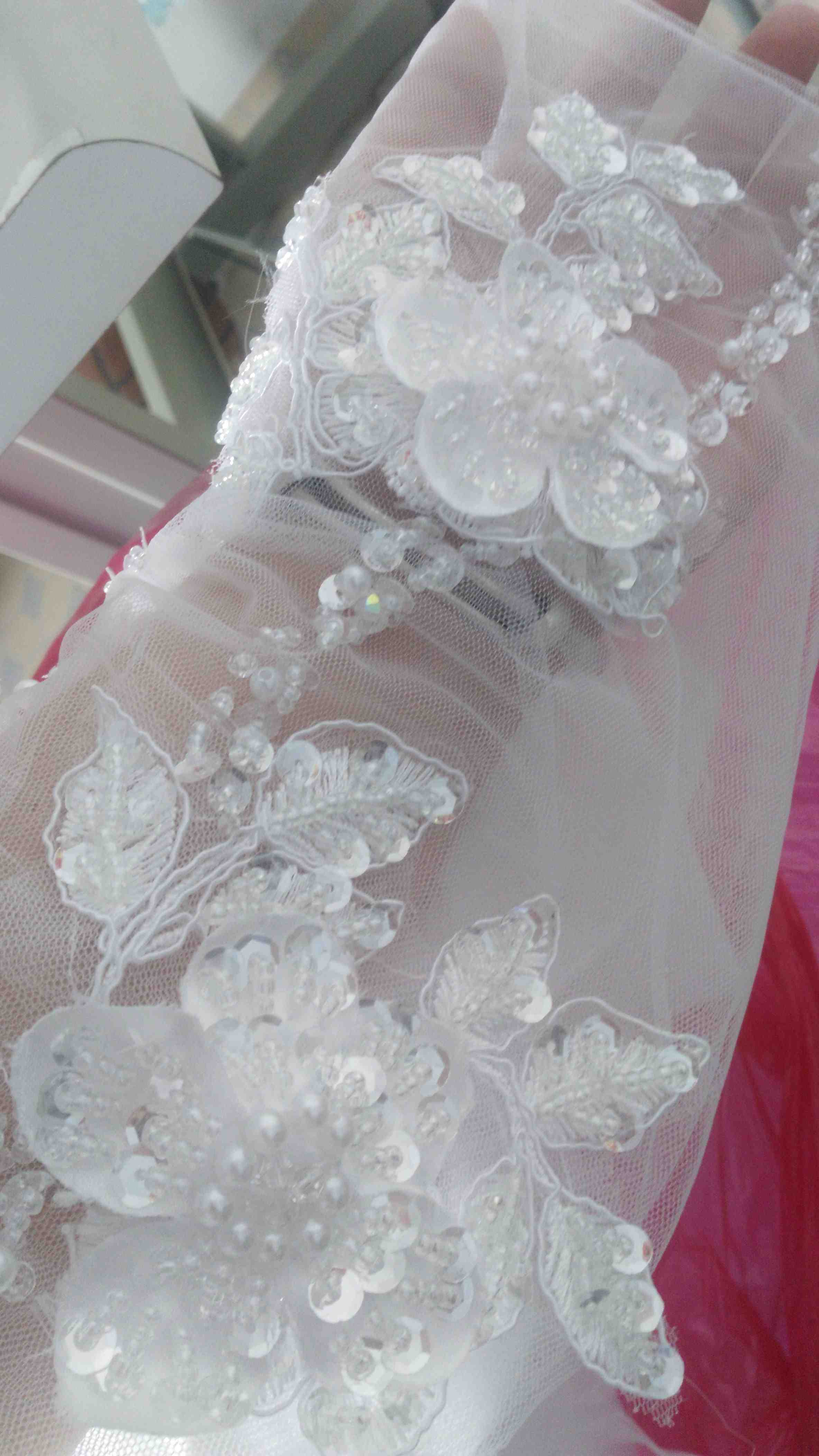 Beaded Hand Made Flowers Lace Appliques in Wedding Dress 201606