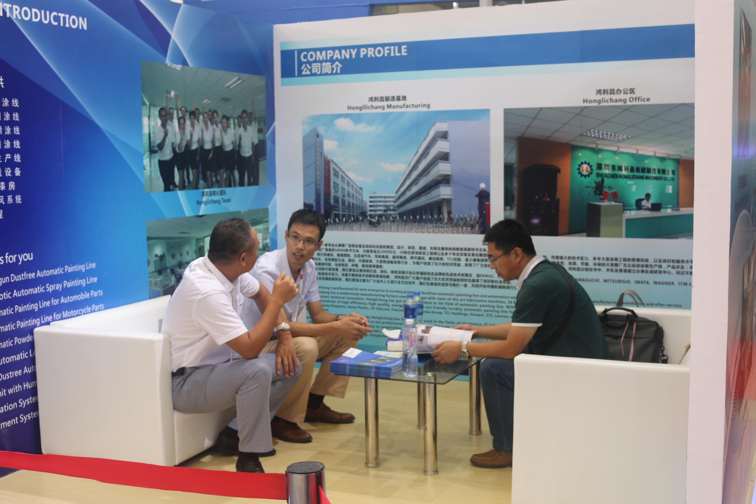 The Photo with Our Client in The Shanghai Exhibition