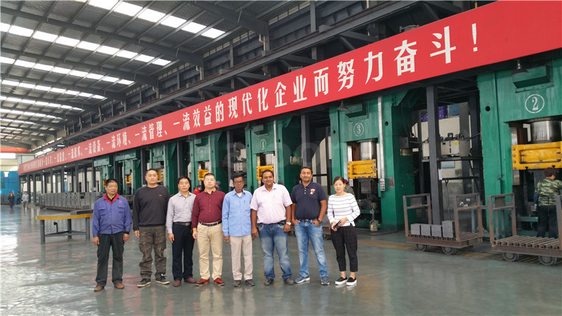 630 ton static pressure type refractory press sell to Henan bamboo forest refractories Limited
