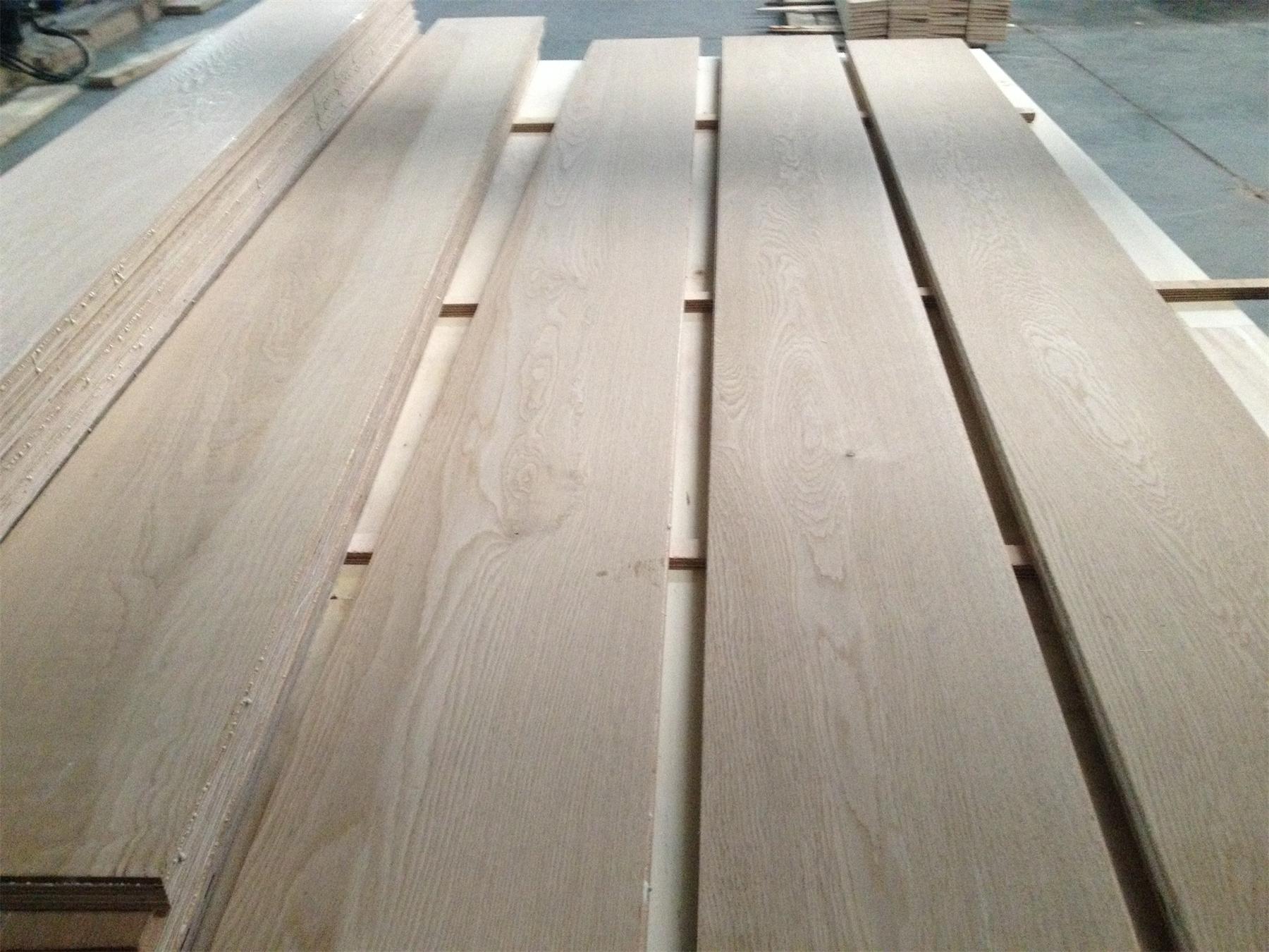 Oak veneer material