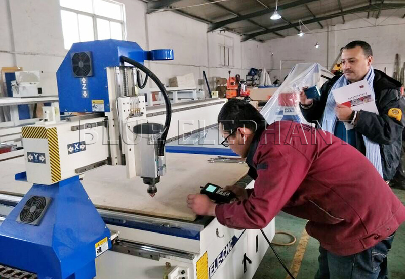 Bought customers visit our factory to check his machine