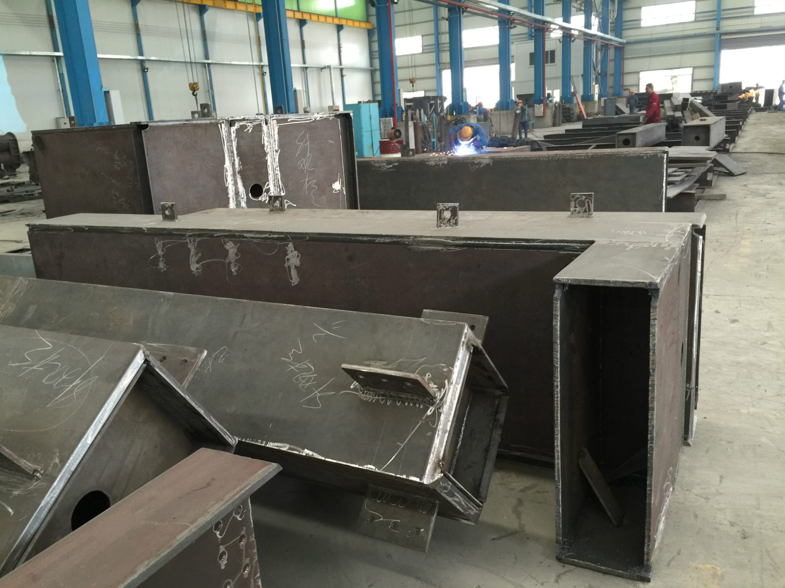 Prefab steel frame house construction building for OEM steel project