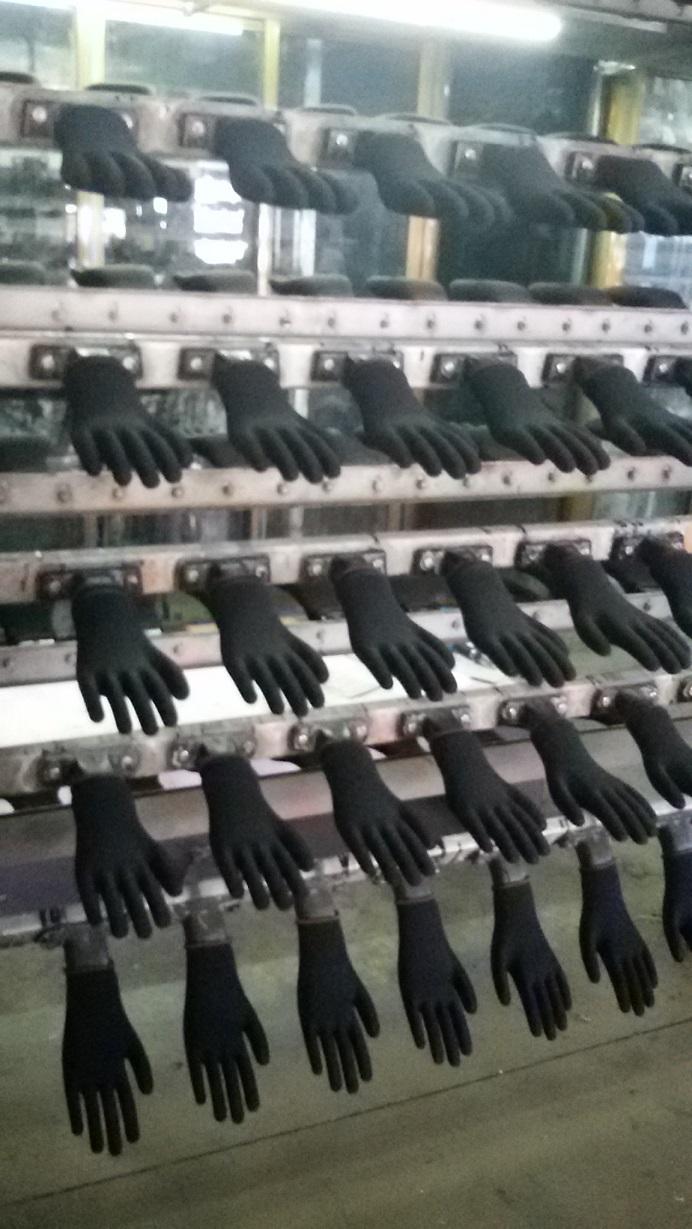 black PU glove dipping