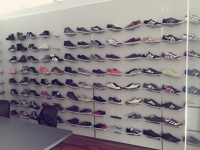 Men injection shoes