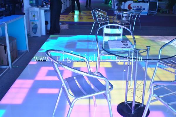 Guangzhou light fiar-LED triangle digital dance floor