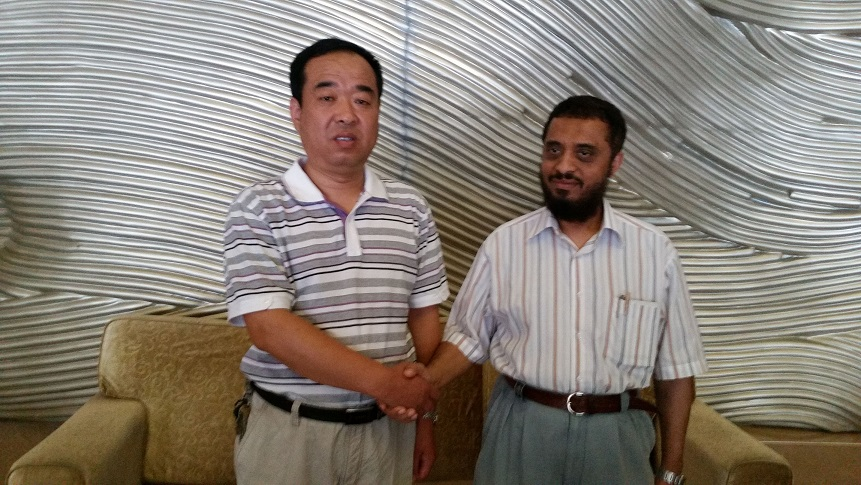 GM Mr. Liu of Jinxiang Auto Parts and the guest of Saudi Arabia held the second meeting.