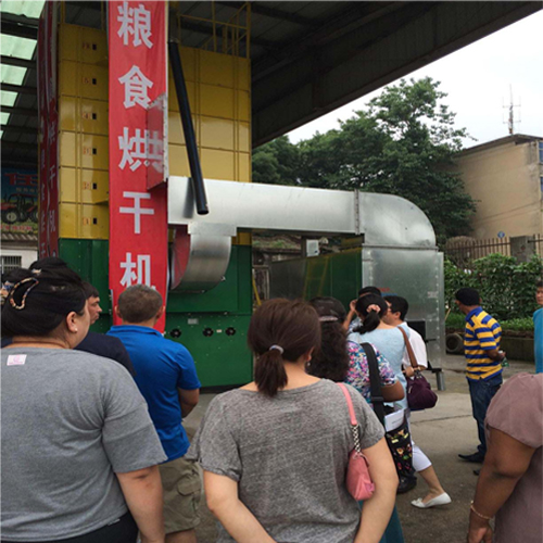 Customers visiting our Agricultural machinery [Jun 02,2015]