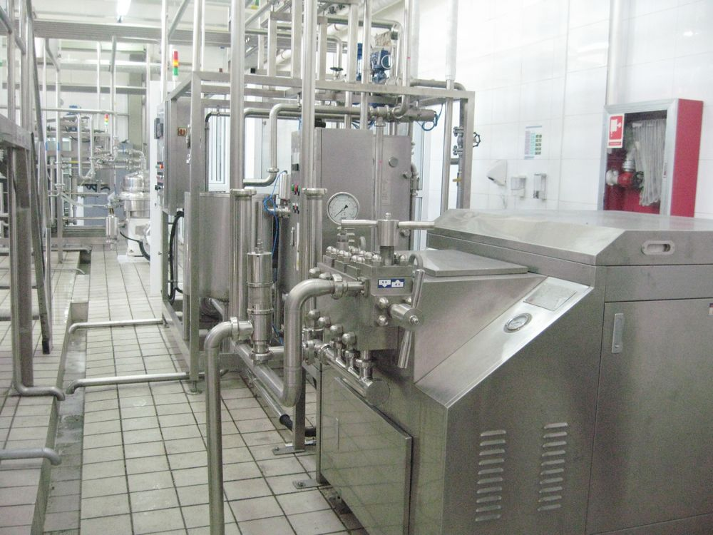 High pressure homogenizer and pipelines application in dairy processing line