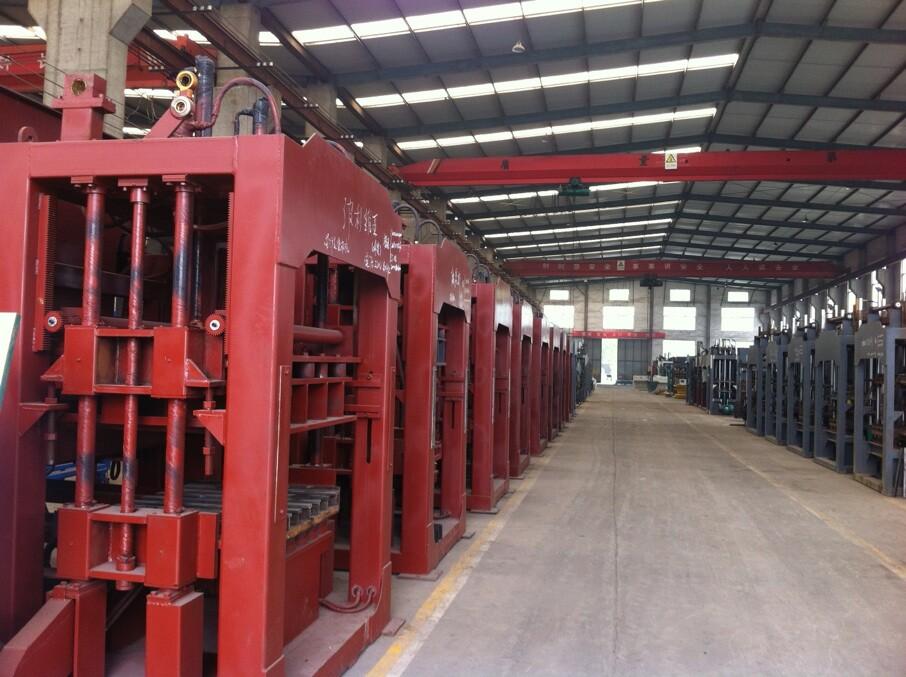 QT6-15 series hydraulic automatic block machine in warehouse