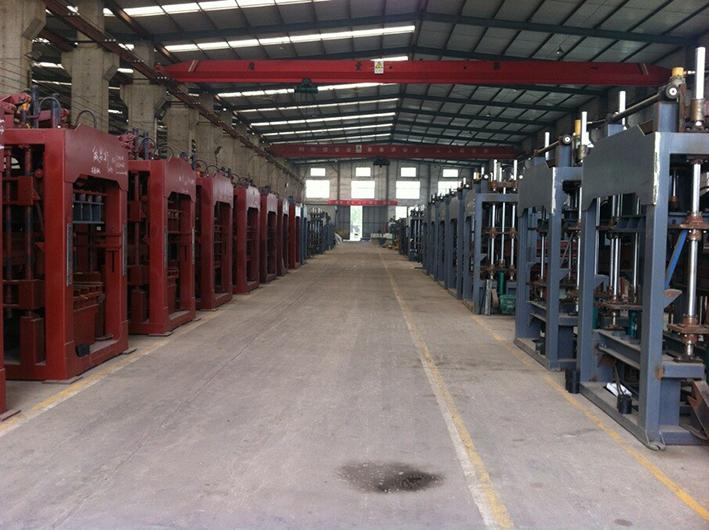 QT8-15 large automatic block production line workshop
