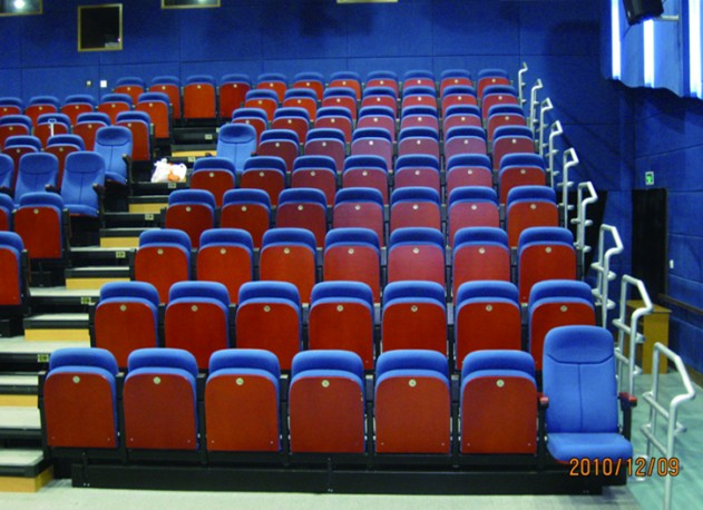 THEATER STUDIO TELESCOPIC SEATING SYSTEM