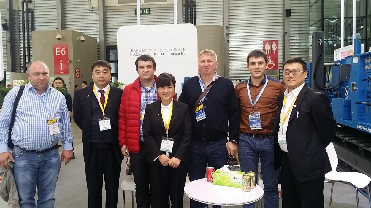 VIP customers from Ukraine visited our company