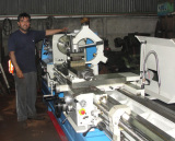 Our Chile customer check the lathe machine torno in end user factory