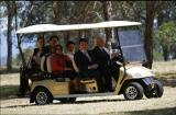 Suzhou Eagle′s Multi-Passenger Golf Cart Serving Chinese President Xi and Governor-General of Austra