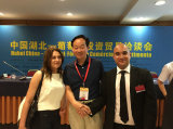 The Chairman sign cooperation contract with foreign customer