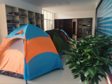 Customer Visiting Outdoor Tent′s Showroom