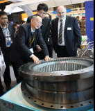 Tongli slewing bearing attract Bauer engineer at 2014 Shanghai Bauma construction machinery