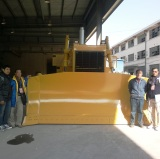 Customers Visiting-Bulldozer