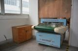 Needle inspecting machine