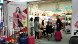 The 116th Canton Fair, pictures with the customer.