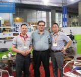 Discuss with an Egypt Customer on Guangzhou Fair
