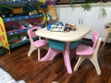 Plastic table and chair3