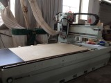 Machine for cutting kitchen cabinets board
