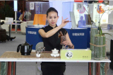 National Tea art specialist Ms Yemei come to Hualong Booth sharing tea ceremony