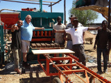 Kenya international buyers bought QT5-20 automatic hydraulic block machine for paving bricks