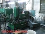 GRIDING MACHINE